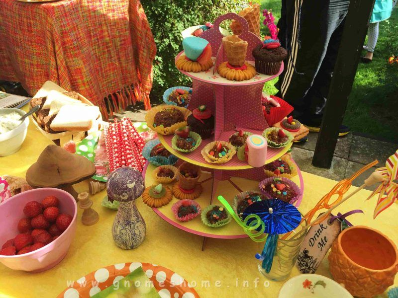 alice-in-wonderland-birthday-party-10